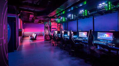 интерьер кибер клуба